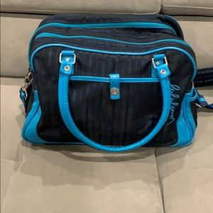 Navy & light blue lululemon shoulder bag!